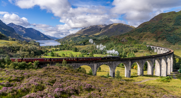 Glenfinnan Railway Viaduct in Scotland Harry Potter 600x325