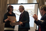 English_UK_Management_Conference_2016_17_Sue_Hodgson_receives_DELTM_certificate