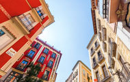 Madrid-old-town-colourful-buildings_190x120